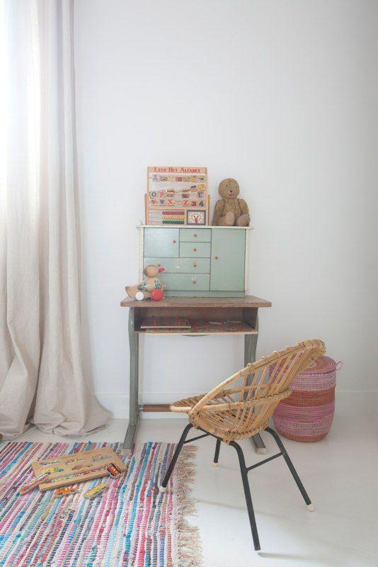 Mooie vintage lessenaar en rotan stoeltje!