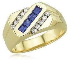 мужское кольцо с бриллиантами желтое золото  Если Вас устраивает модель кольца, тогда надо подобрать центральный бриллиант из ассортимента на http://apodarok.com/kupit/