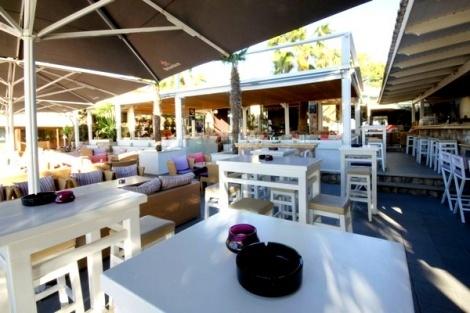 Το Seaside Krystal, ένα από τα μεγαλύτερα mainstream cafe bar της Ανατολικής Αττικής και το mybest.gr, σας δίνουν τη δυνατότητα να διασκεδάσετε μαζί με την παρέα σας, το Σάββατο 18 Αυγούστου, σε ένα από τα καλύτερα party της καλοκαιρινής σεζόν!    Εγγραφείτε τώρα στα μέλη του mybest.gr και λάβετε μέρος στην κλήρωση που θα πραγματοποιηθεί την Παρασκευή 17 Αυγούστου και θα αναδείξει τον τυχερό του Διαγωνισμού.  Ο νικητής θα κερδίσει δωρεάν είσοδο για 4 άτομα, με μία φιάλη ουίσκυ ή βότκα, αξίας…