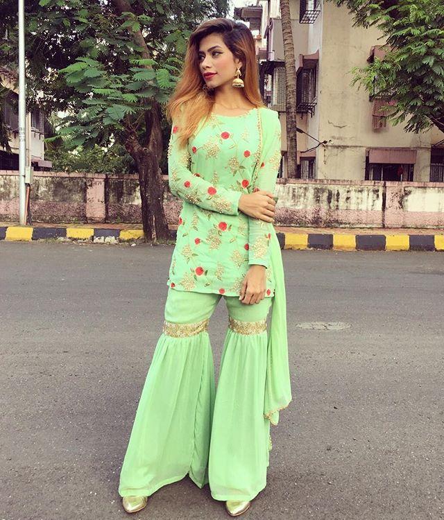 Pin by duaayy ✨ 1 on ĐŘĚ$Ş in 2019 | Indian dresses