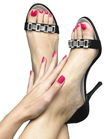 Nail Polish Trends 2013, 2014, Photos: Celebrity Manicure/Pedicure: How Is Gel Polish Different From Regular