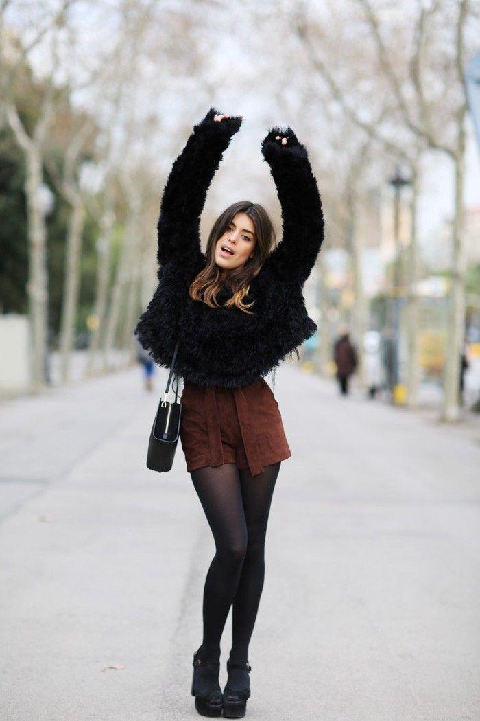 Sweater negro & Other Stories y shorts marrones Samy Road de Dulceida