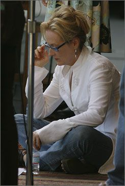 meryl streep home | Meryl Streep looks comfortable studying a script during rehearsals for ...