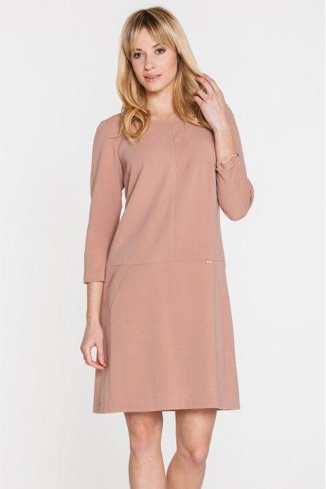 Beżowa sukienka z modelującymi przeszyciami - Topsi - Topsi - Odzież damska Balladine.com - Polska Moda Online