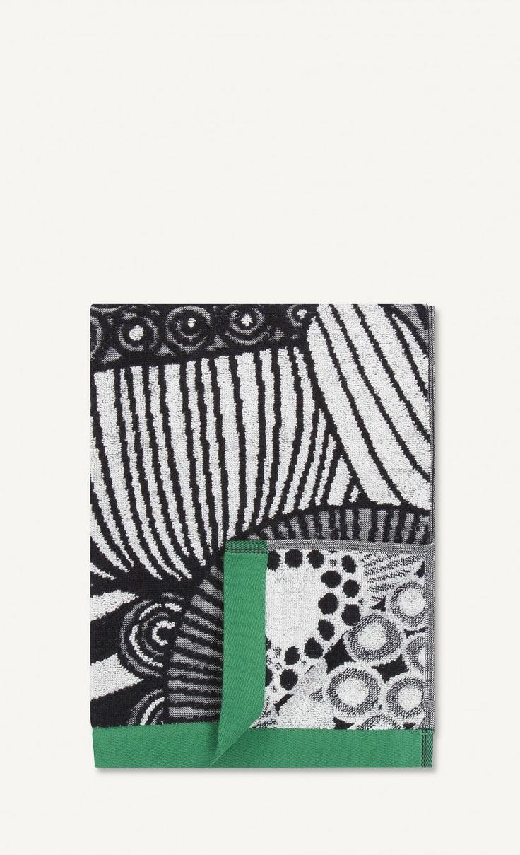 Håndklæder fra Marimekko i serien Siirtolapuutarha (sort, hvid og grøn)
