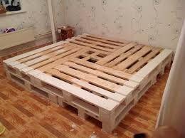 Картинки по запросу кровать из поддонов