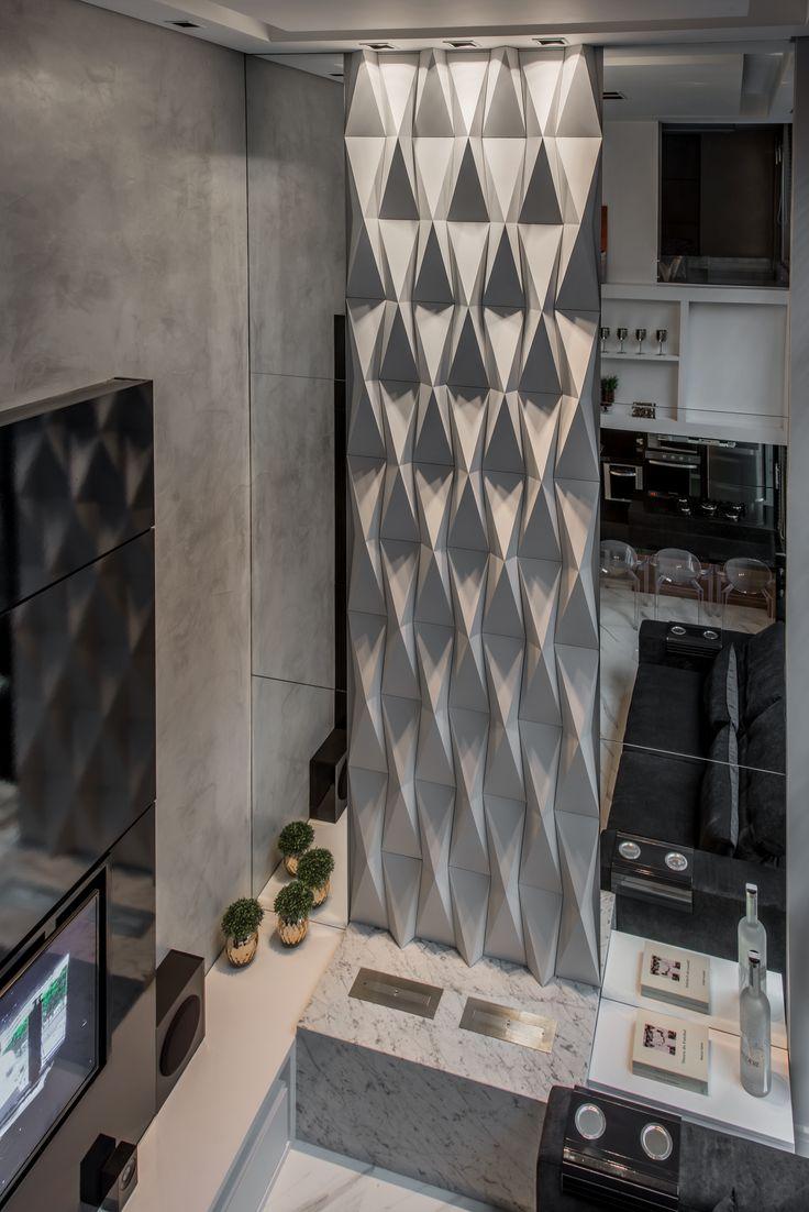 Origami branco - Arq. Tamara Rodrigues - Foto.Cládio Fonseca    #revestimento #design #arquitetura #castelatto #parede #decor #decoração #sofisticacao #wall