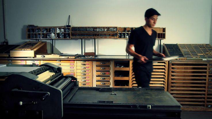 Precioso vídeo sobre Bleisatz, el taller de tipografía manual de la Universidad…