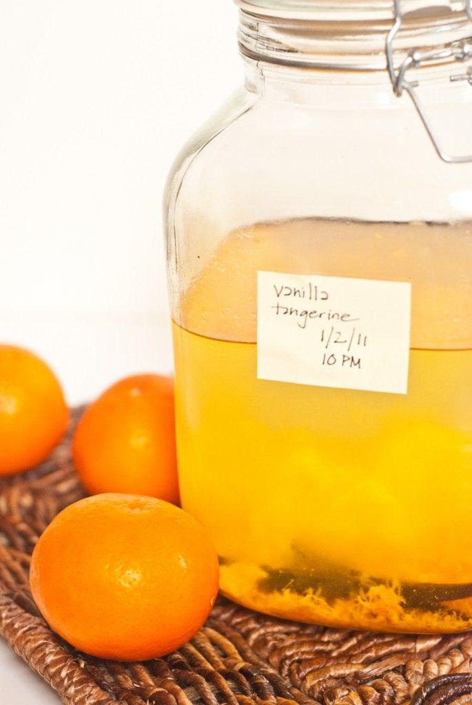 vanilla-tangerine-vodka -- so easy & fresh for summer drinks