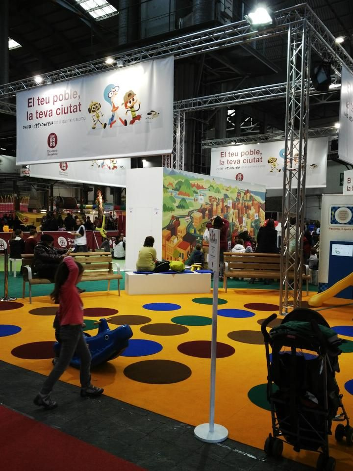 The Children's Exhibition organized in the Fira de Montjuïc enclosure is an unavoidable event for children. An explosion of imagination, enjoyment and colour where they can do all kinds of activities, from workshops and craft to sports and musical performances for all the family to enjoy. Dates: 27 December to 4 January.