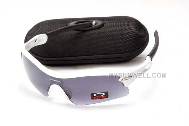 http://www.mysunwell.com/cheap-oakley-radar-pitch-sunglasses-white-frame-black-lens-new-arrival.html CHEAP OAKLEY RADAR PITCH SUNGLASSES WHITE FRAME BLACK LENS NEW ARRIVAL Only $25.00 , Free Shipping!