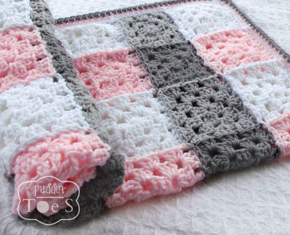Gray and Pink Granny Square Baby Blanket Pink Gray door puddintoes
