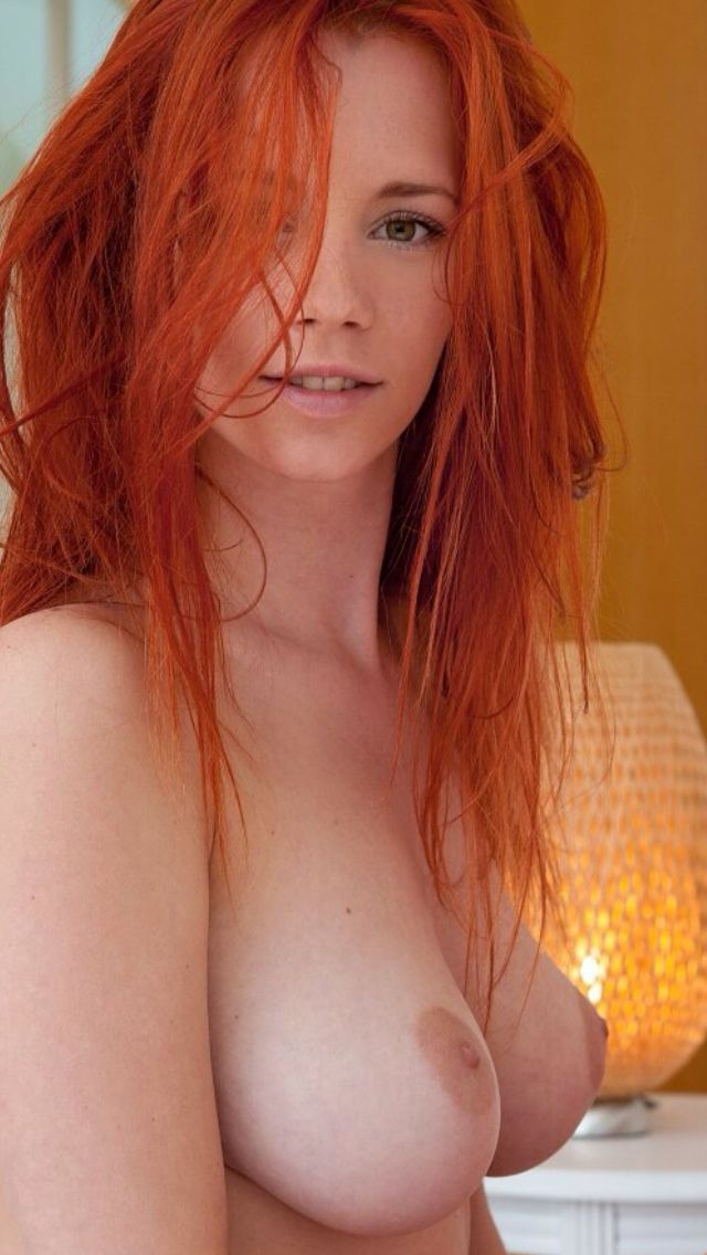 Head naked red woman