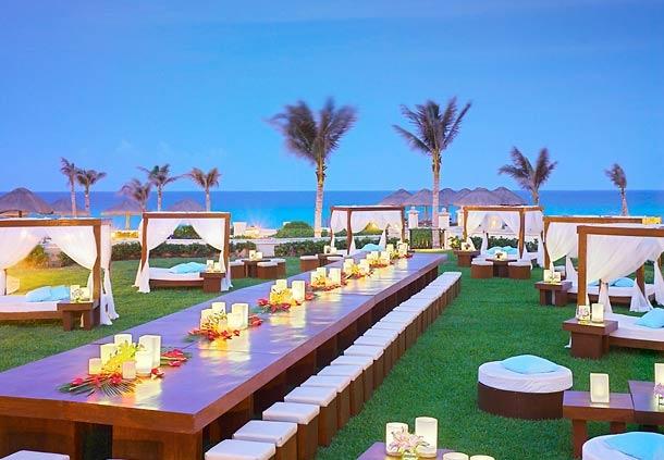 Disfruta del atardecer. Aprovecha la magia de México en un Hotel en Cancún. Conoce el JW Marriott Cancún Resort & Spa. Relájate y disfruta tu estadía en esta playa paradisíaca.