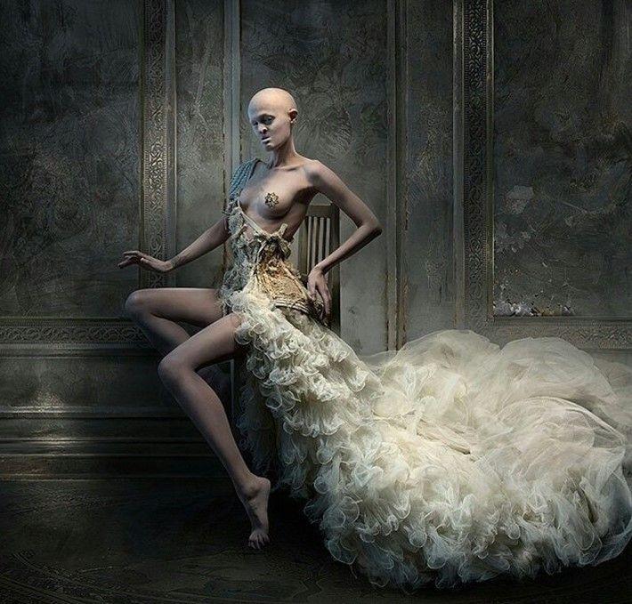 Nazývajú ju najškaredšou modelkou na svete. Melanie Gaydos však rúca bariéry Odmieta nosiť parochne a zubné implantáty a svoje telo vystavuje na obdiv celému svetu.