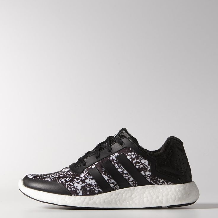 Made with an innovative boost™ midsole that returns energy to the foot from heel strike to toe-off, these women's shoes are built to run far. They have a textile and synthetic upper and feature reflective laces and a rubber outsole.