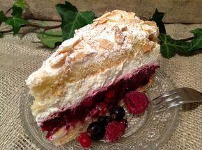 Rote Grütze- Baiser- Torte, ein Hochgenuss