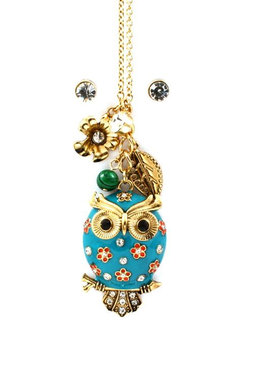 Poppy Owl Charm Necklace - Oh my I am in love! Owl love you furever! WANT! #jewelry #owl #women #ladies #beauty #fashion #style #owl #teal