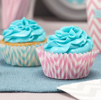 Striking powder blue and pink cupcake cases are great for baking enthusiasts and party goers alike!