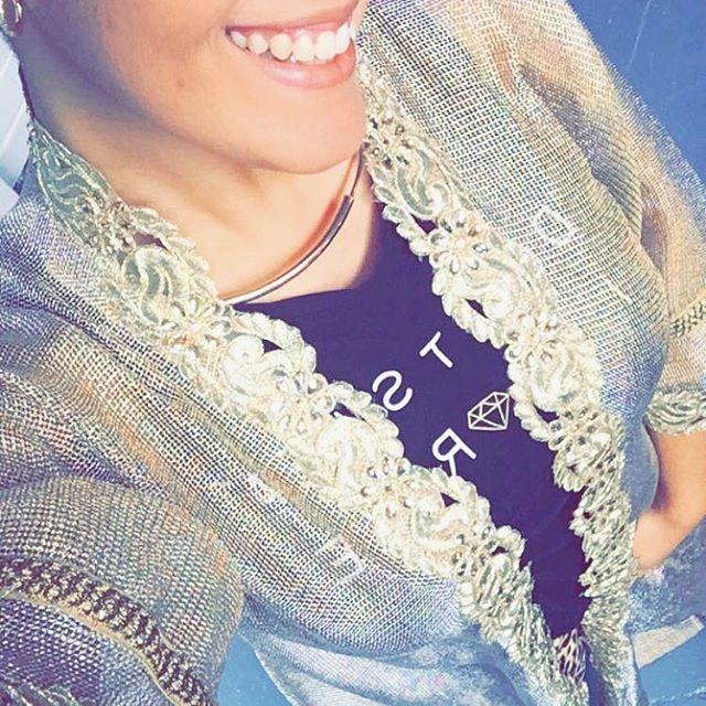 Luxurious @zonashahrukh cardigan over tee and sweatpants? Why not.. It's that i-wear-whatever-i-want kinda sunday  fancy this cardi? It's now available at @kazecastudio   #perth #perthfashion #perthfashiondesigner #australia #australianfashion #australianfashiondesigner #fashiondesign #fashiondesigner #modestfashion #abaya #kaftan #model #styleblogger