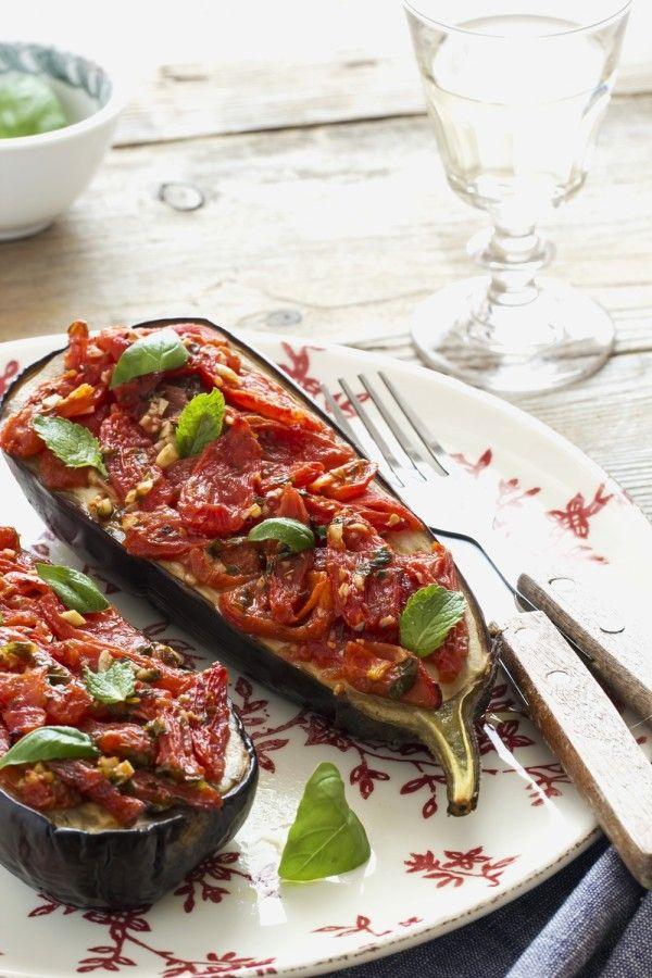 #melanzane al forno - melanzane con pomodorini - melanzane ripiene - #Summer #Italian #recipe: stuffed #aubergines with tomatoes