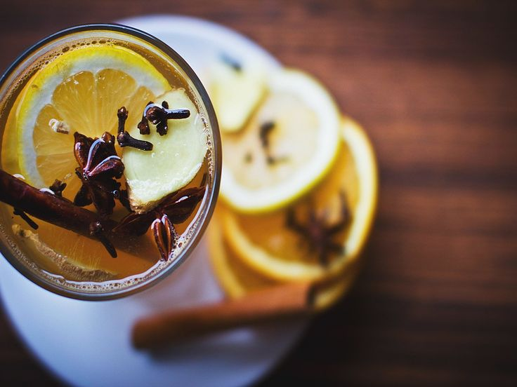 13 Reasons to Start Your Day with Lemon Water
