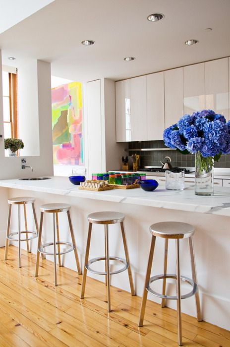 Breakfast bar | Art | Shiny Cabinets #kitchen #art #stools #ceiling #clean #white