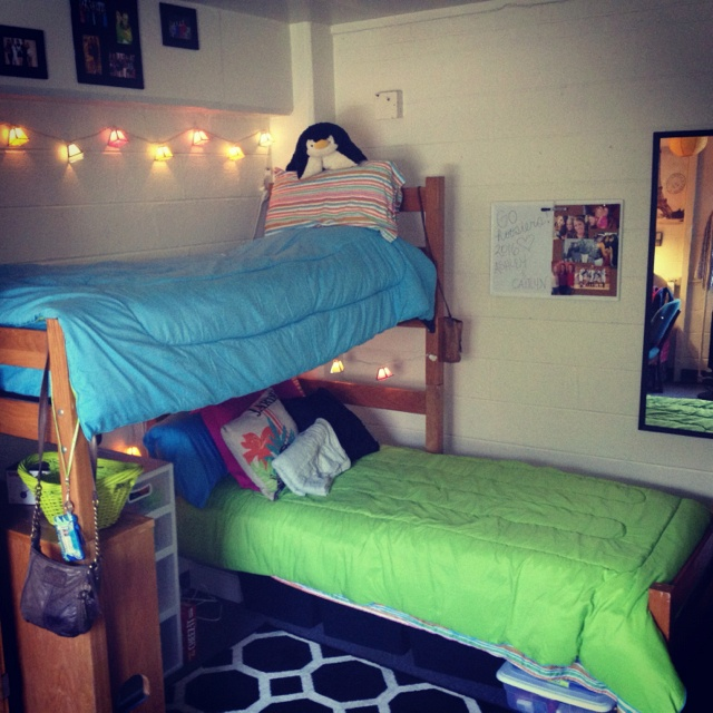 1000 images about dorm room layout on pinterest cute On dorm room arrangements