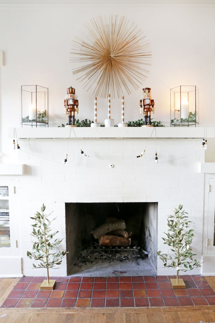 how to style your mantel for a modern holiday look