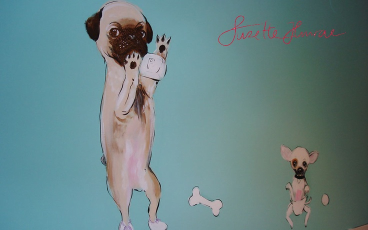 Suzette paints on walls.   This was for the Dogshop VIPDOG in Amsterdam. Little puppies for the puppyroom.