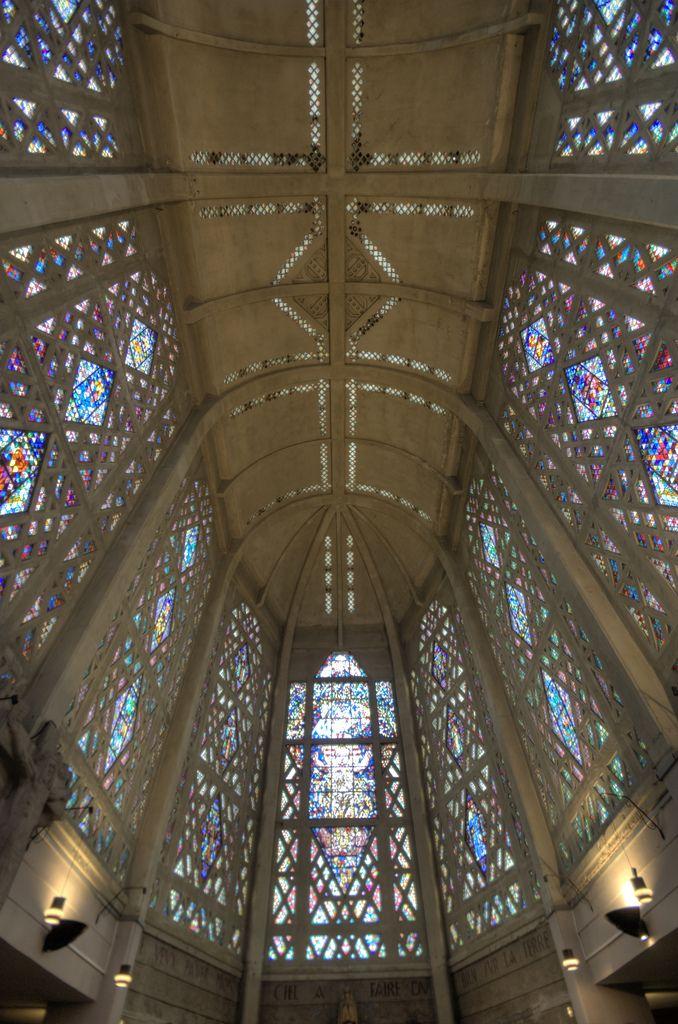1928: Paul Tournon, église Saint-Thérèse-d'Enfant-Jesus, Aubergenville-Elisabethville
