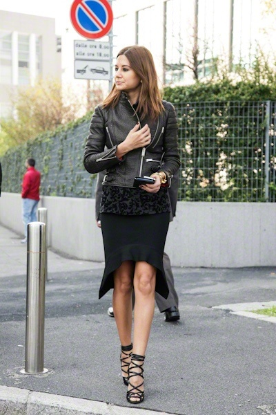 Love this look! All in black/leather jacket/skirt/shoes