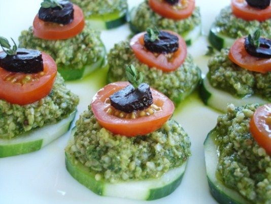 17 best images about raw food appetizers on pinterest for Canape vegan