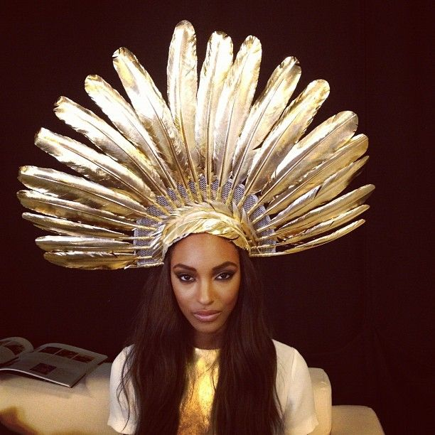 cleopatra must have looked like this