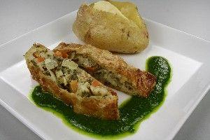 Indbagte rodfrugter i butterdej med bagekartofler  4
