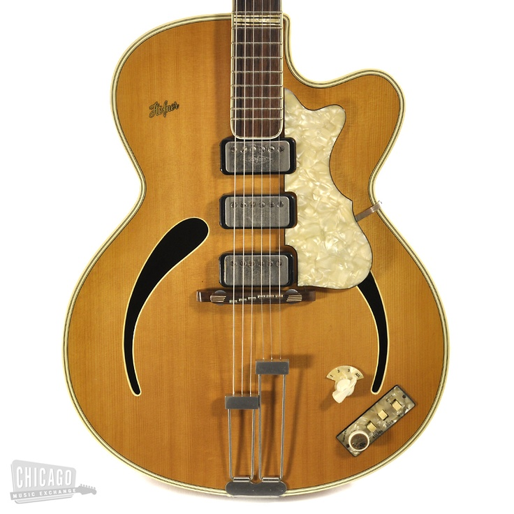 Hofner 462. Well, this changes things.