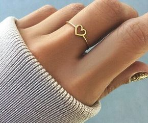 Simple ❤️ heart ring in a minimalist design. perfect for teenagers and young adults