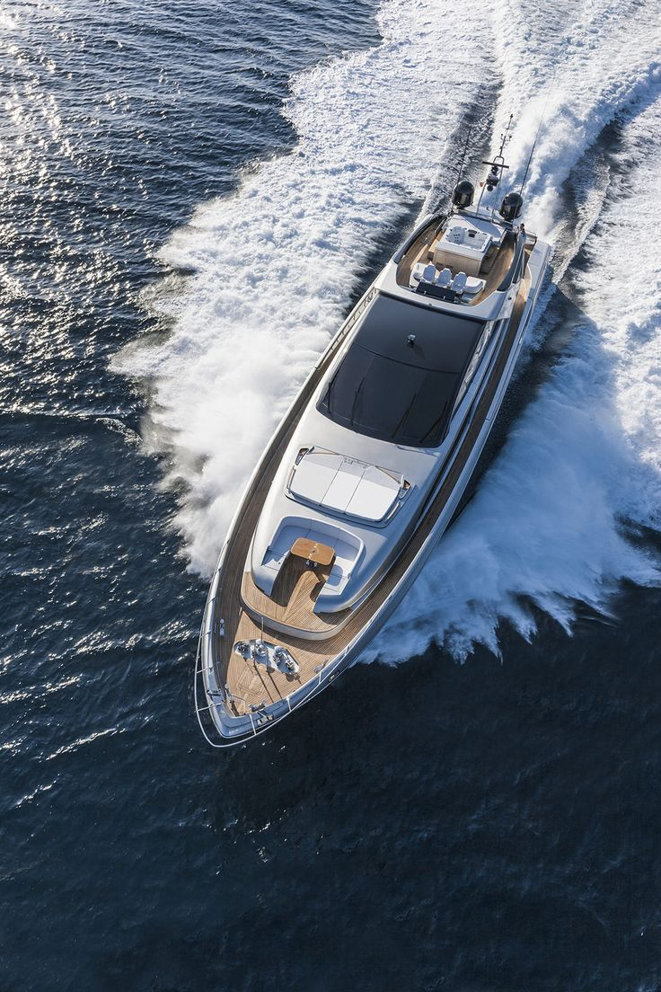 The Italian icon of the world yachting industry, Riva, unveiled this year its new flagship:the superyacht 122' Mythos,an over 35 ton aluminum construction of 37 meter overall length and 7.60 meter beam,the largest yacht in the world ever produced by the historical Italian brand.  Globallyknown for its legendary wooden motor yachts