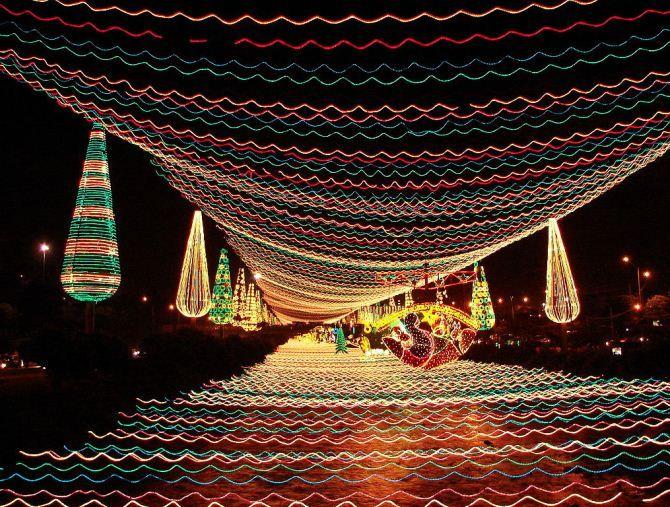 10 World best Christmas lights displays | UNIQUE
