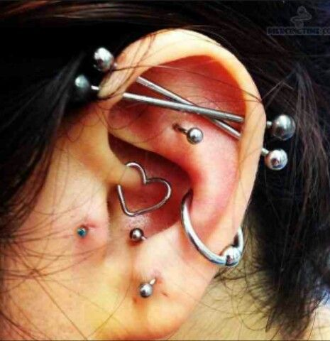 Piercings♡ Double crossed industrial Conch Daith Tragus+Anti Tragus