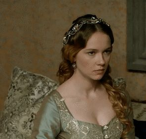 Even among sultanas, the dynamics of sisterhood... - Magnificent Wardrobe
