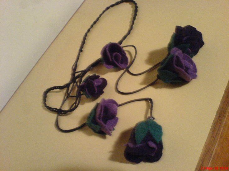 felter necklace