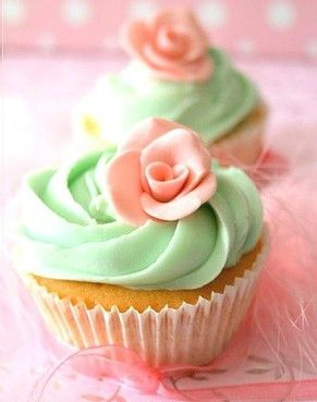 coral and mint cupcakes | Mint and Coral Cupcakes | Mery+alberto