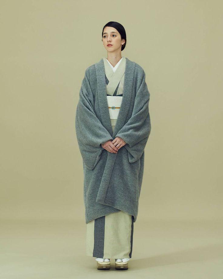 いいね!369件、コメント2件 ― THE YARDさん(@theyard_jp)のInstagramアカウント: 「以前男性のコーディネートでもご紹介した、AUGUSTE-PRESENTATIONとの別注ファーコートです。 . 羽織のようなデザインなので、きものに合わせても素敵なコートです。 .…」