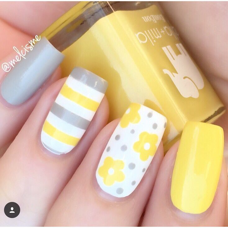 ☀️This mani by @melcisme is so bright & sunny & wonderful! -Daisy Flower Nail Decals found at snailvinyls.com