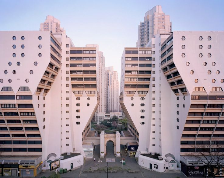 Memories of a Hopeful Past: The Forgotten Modernist Estates of Paris #Travel #Photography #Scrapbook