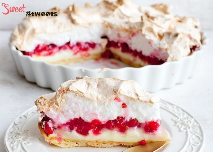 Пирог-пудинг со смородиной и меренгой image 1