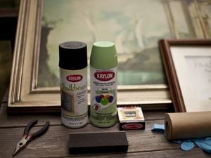 DIY chalkboard signs from thrift store frames. Use this for directing guests to bathroom, ceremony, reception, bug station, drink escort card table, food and drinks, etc.