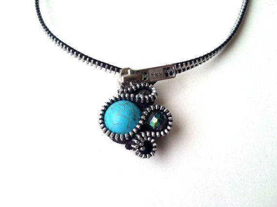 Búfalo azul cremallera color turquesa collar por ArtologieDesigns