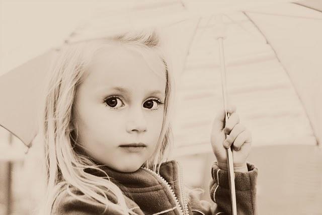 girl + umbrella, umbrella, black and white, children, photography